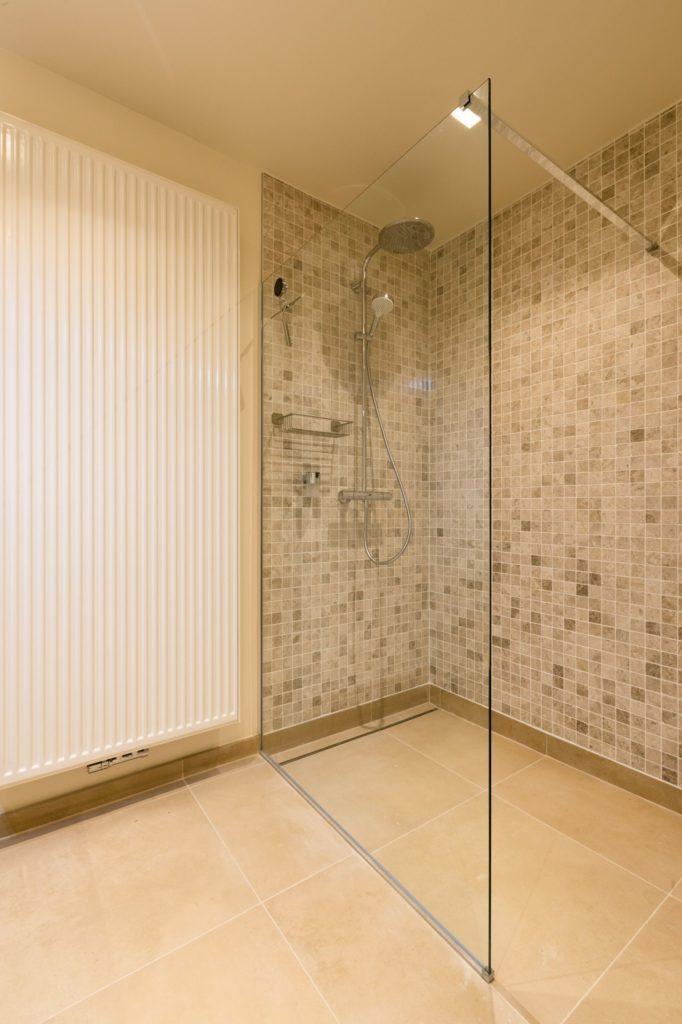 Le Coeur de la Mer vakantiewoning - badkamer met douche
